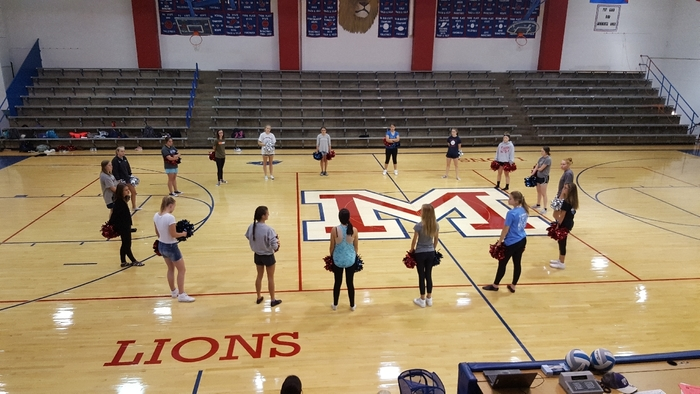 Early morning cheer and dance homecoming practice